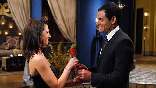 bachelor-melissa-engagement-ring