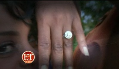 niecy-nash-engagement-ring