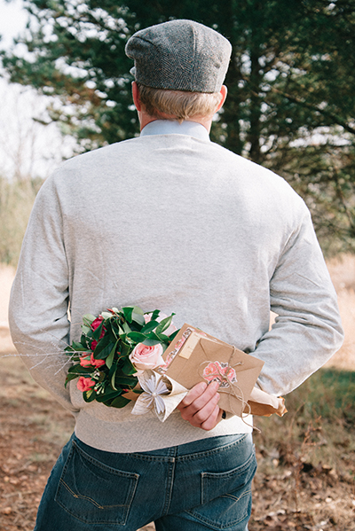 5 Mistakes Men Make When Proposing Engagement 101