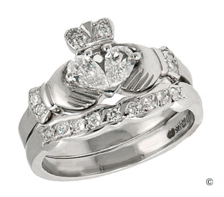 novell a classic claddagh ring - Medieval Wedding Rings