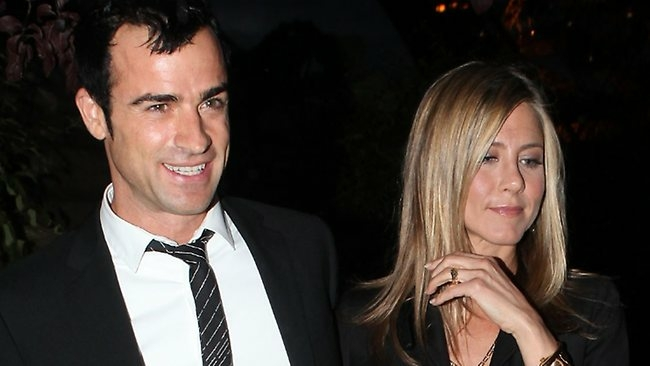 Jennifer Aniston Engagement Ring or Not