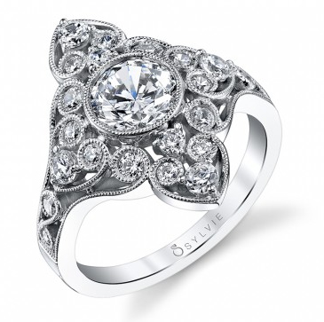 The Right Engagement Ring for Your Ring Finger Shape
