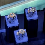 Big Engagement Ring Trend: Two Tone Rings