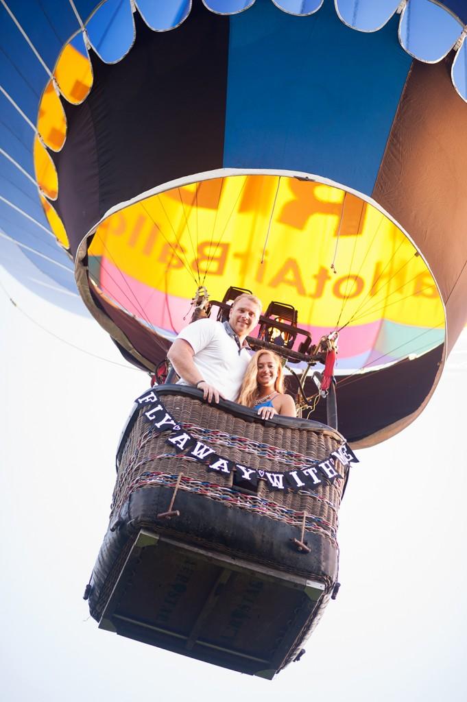 hot air balloon couple proposal
