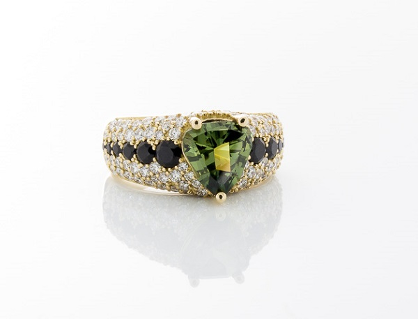 Engagement Rings With Green Gemstones