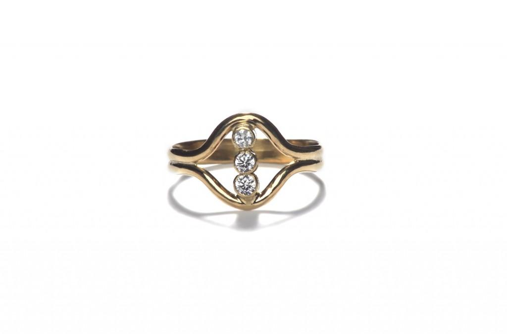Alternative Engagement Rings With Singular Shaped Stones