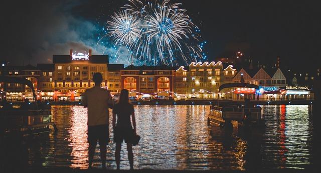 fireworks-1095378_640