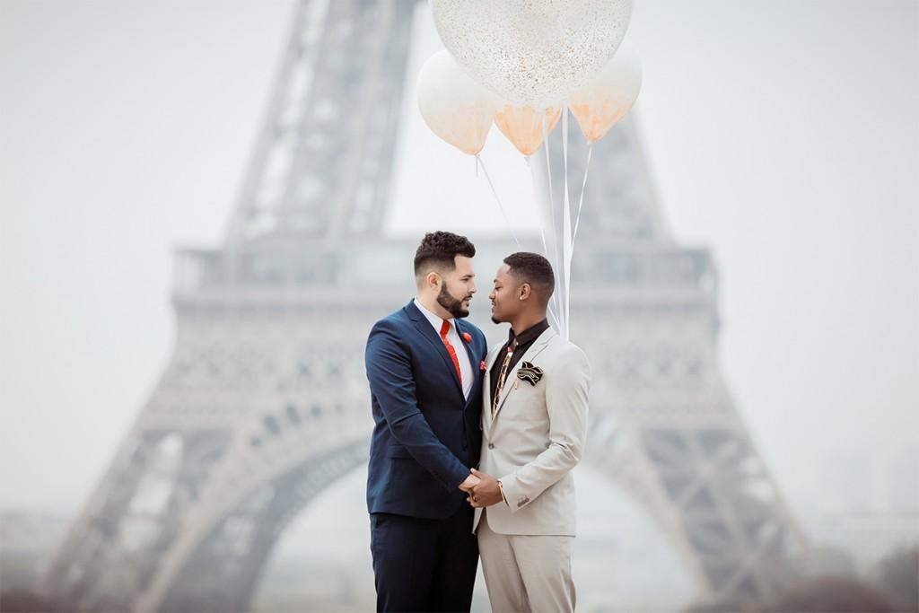 love engagement ring paris proposal