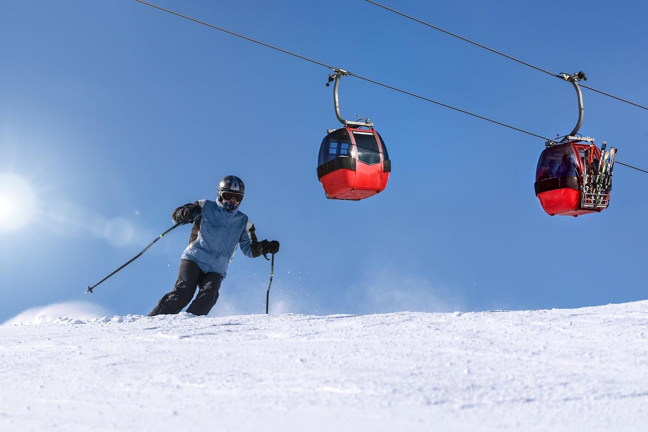 ski-slope-3223709_1280